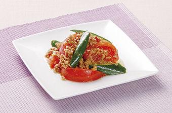 トマトときゅうりの肉味噌炒め