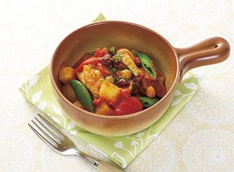 鶏肉と豆のトマト煮込み