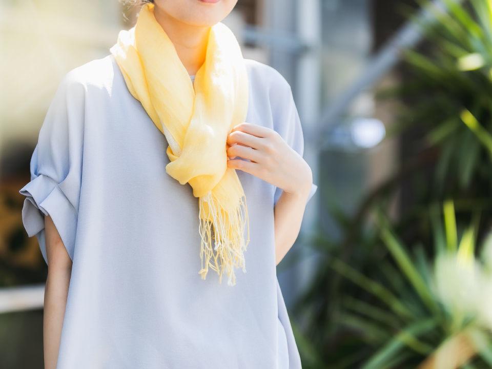 おしゃれに日焼け対策!これから使える夏ストールの簡単巻き方アレンジ♪ | 少しの工夫でくらしを彩る「Honnori」 | 株式会社フジ