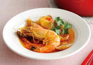 トマト風味の魚介たっぷりブイヤベース