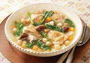 チキンと豆とほうれん草の満腹スープ